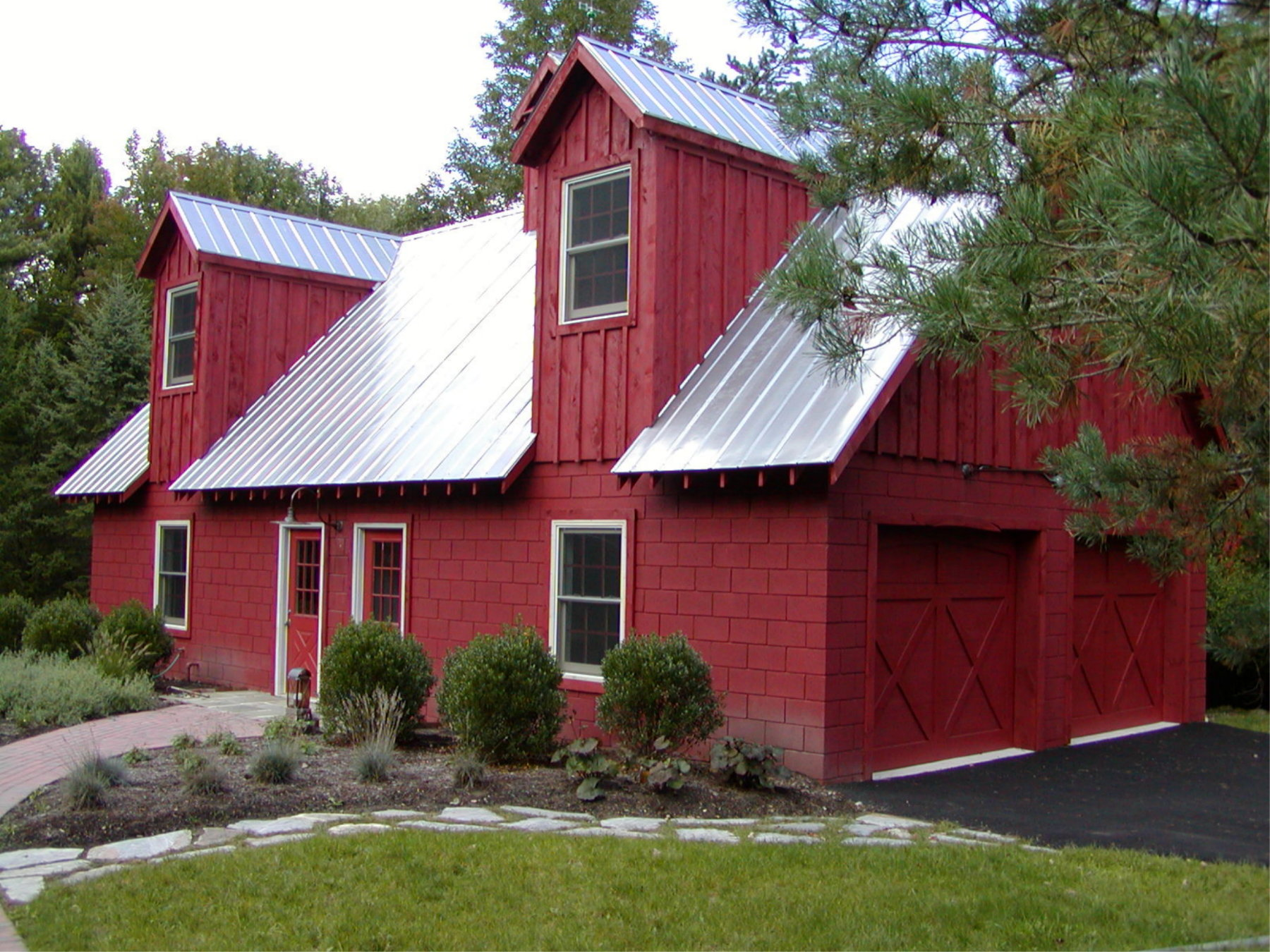 Pin barn style garage on pinterest for Barn style garages